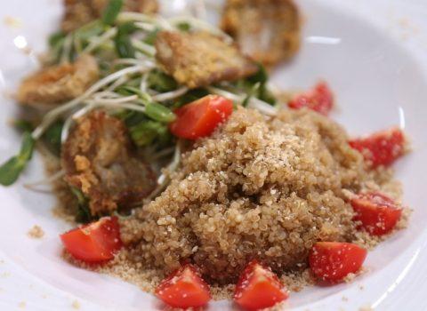 Przepisy na quinoa z boczniakiem