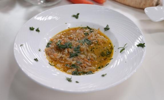Przepis na zupę cebulową z amarantusem