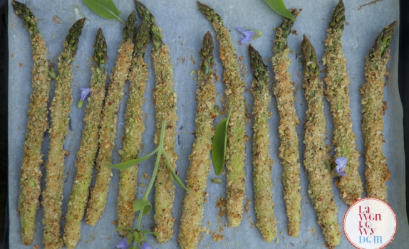 Chrupiące szparagi z piekarnika