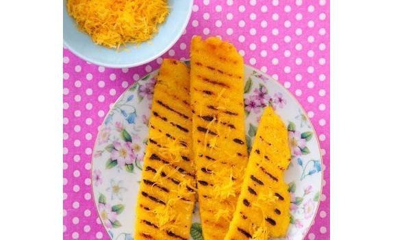 Grillowana polenta z serem