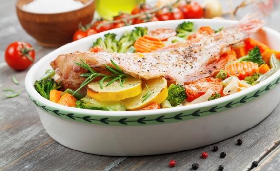 Zapiekanka z rybą i warzywami